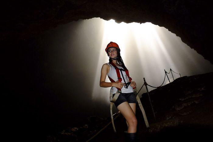 penjelajah gua jomblang