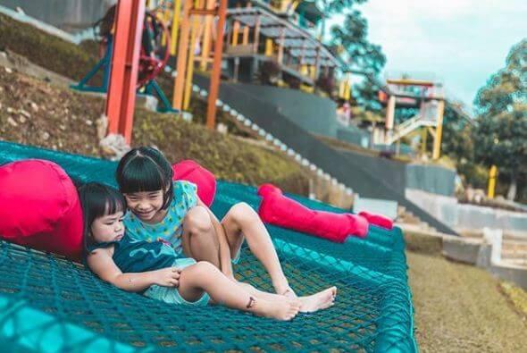 Wisata Tempat Nongkrong Baru Keluarga Ddieuland Punclut Bandung