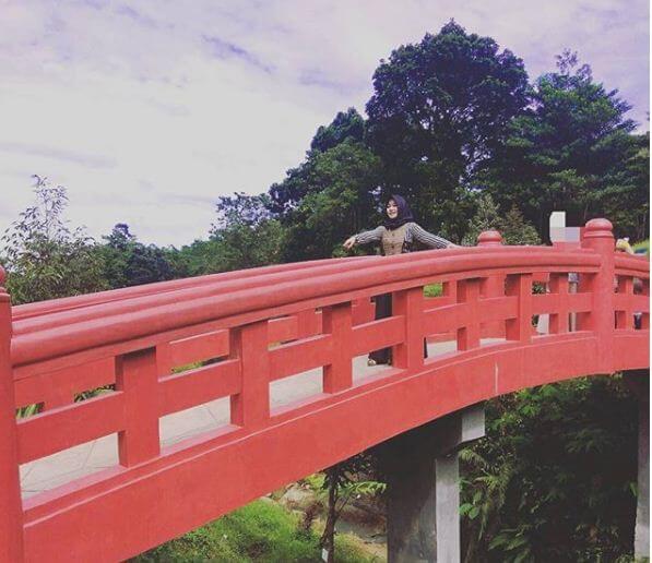 jembatan merah cikaret
