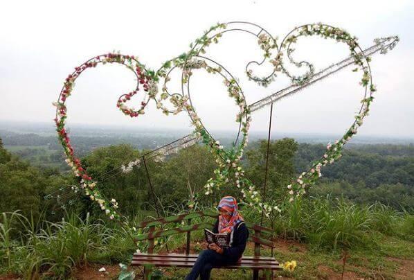 spot bukit cinta