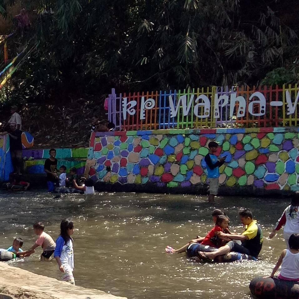 Wahana Kampung Warna Warni Bogor