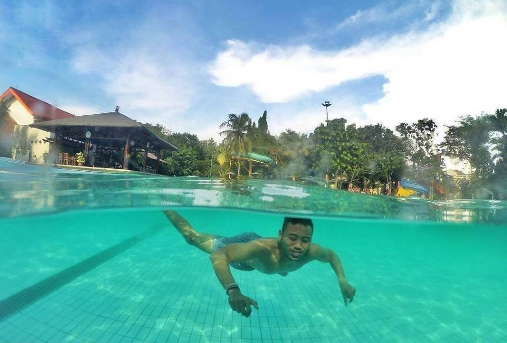 kolam renang Splash swimming pool & gym