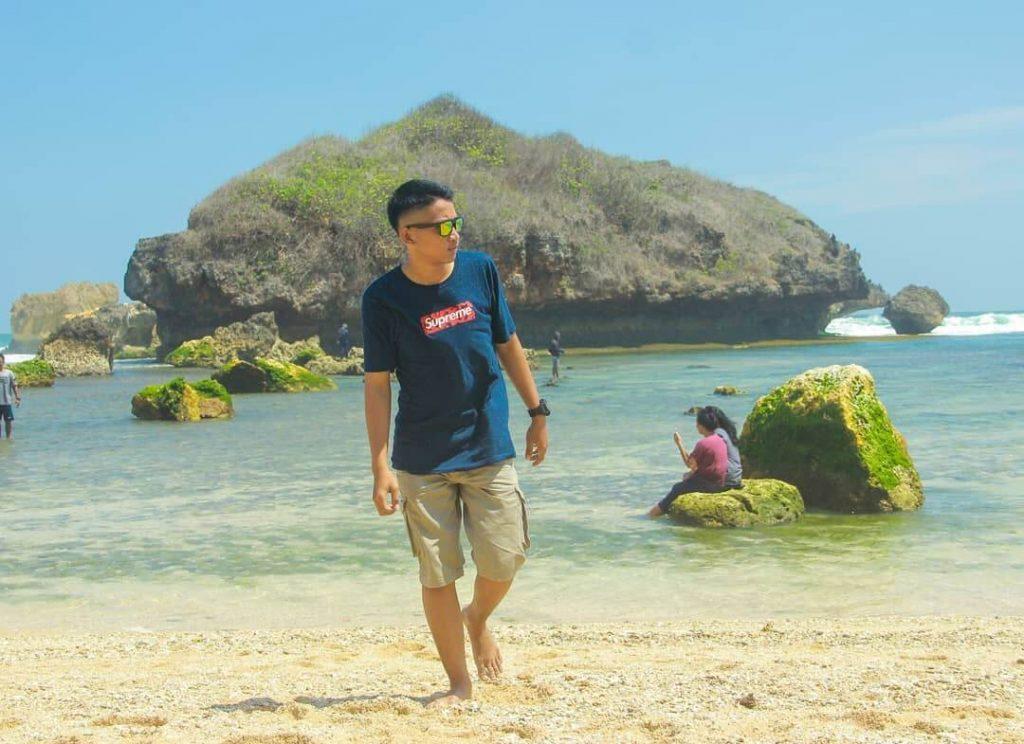 Foto Lokasi Dan Harga Tiket Masuk Pantai Sadranan Gunungkidul Jogja