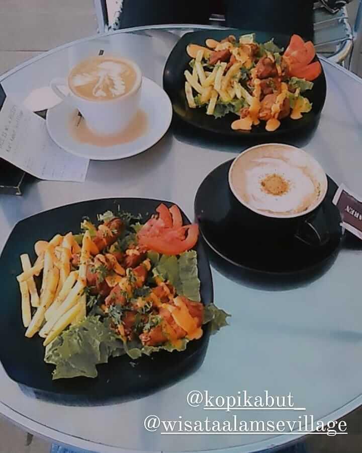 Coffee Shop & Eatery Kopi Kabut